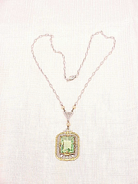 VINTAGE ART DECO FILIGREE GREEN GLASS STONE NECKLACE SIGNED P S Co (Image1)