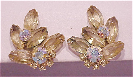 VINTAGE COSTUME JEWELRY - JULIANA PALE YELLOW & AB RHINESTONE CLIP EARRINGS (Image1)