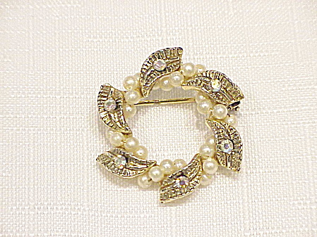 Vintage Small Rhinestone And Wired Seed Pearl Brooch