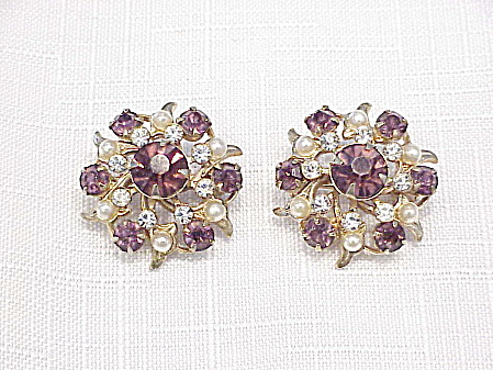 VINTAGE AMETHYST RHINESTONE AND SEED PEARL SCATTER PIN BROOCHES (Image1)