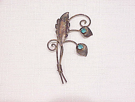 VINTAGE VAN DELL 12K GF ON STERLING SILVER BLUE RHINESTONE BROOCH (Image1)