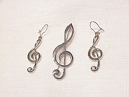 Silver Tone Music Clef Brooch And Pierced Earrings Set