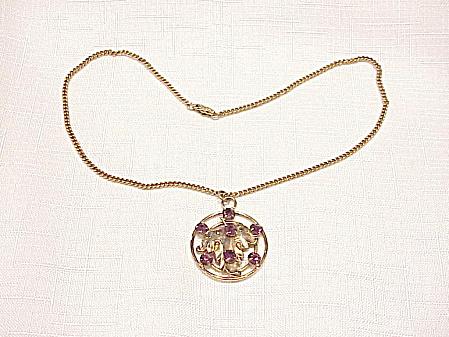 VINTAGE AMETHYST RHINESTONE GOLD TONE PENDANT NECKLACE (Image1)