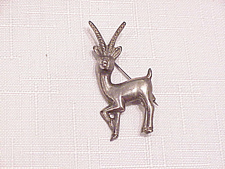 VINTAGE MEXICAN STERLING SILVER ANTELOPE C CLASP BROOCH (Image1)
