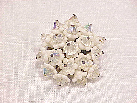 VINTAGE JAPAN WHITE GLASS FLOWER AND CRYSTAL BROOCH (Image1)