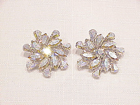 VINTAGE B. DAVID AURORA BOREALIS RHINESTONE CLIP EARRINGS (Image1)