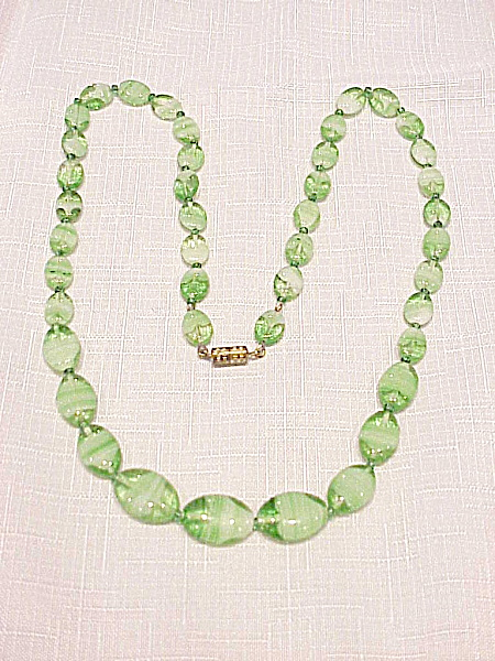 Vintage Venetian Green And White Marbled Art Glass Bead Necklace