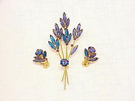 VINTAGE JULIANA RIVOLI RHINESTONE FLOWER BROOCH AND EARRINGS SET (Image1)
