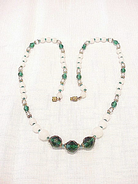 Vintage Emerald Green Crystal And Frosted Glass Bead Necklace