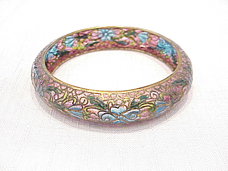 VINTAGE ART NOUVEAU PINK AND BLUE PLIQUE A JOUR ENAMEL BANGLE BRACELET (Image1)