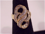 COSTUME JEWELRY - 14K GOLD ELECTROPLATE RING WITH DIAMENTE RHINESTONES