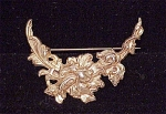 VINTAGE COSTUME JEWELRY - GOLD TONE ART NOUVEAU STYLE FLOWER BROOCH