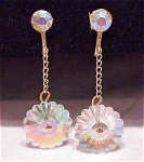 VINTAGE COSTUME JEWELRY - DANGLING AURORA BOREALIS RIVOLI CRYSTAL SCREWBACK EARRINGS