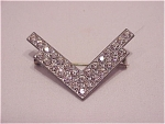 COSTUME JEWELRY - VINTAGE RHINESTONE POT METAL VICTORY BROOCH SIGNED AJC