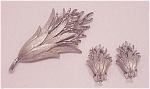 VINTAGE SILVER TONE THISTLE BROOCH AND CLIP EARRINGS SET