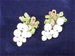 VINTAGE COSTUME JEWELRY - DANGLING WHITE BEAD GRAPE CLUSTER CLIP EARRINGS