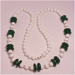 VINTAGE COSTUME JEWELRY - DARK GREEN ART GLASS & WHITE GLASS BEAD NECKLACE