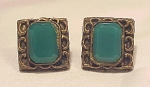 VINTAGE COSTUME JEWELRY - NEMO GREEN GLASS SCREWBACK EARRINGS