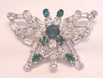 Click to view larger image of VINTAGE COSTUME JEWELRY - LARGE EMERALD GREEN AND BRILLIAINT CLEAR RHINESTONE BUTTERFLY BROOCH (Image1)