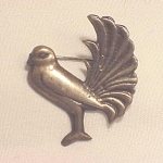 VINTAGE MEXICAN STERLING SILVER SMALL BIRD C CLASP BROOCH MARKED MEXICO SILVER
