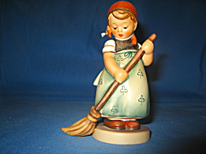 Goebel Hummel Figurine Little Sweeper