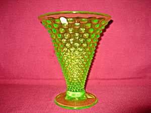 Fenton Hobnail Vase in Key Lime (Image1)