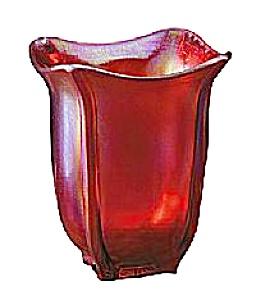 7 1/2'' Red Stretch Square Vase (Image1)