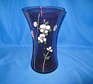 Fenton Simplicity on Violet Vase (Image1)