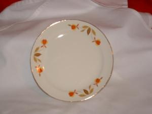 "HALL AUTUMN LEAF 6"" BREAD PLATE (Image1)"