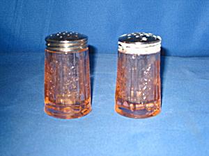 PINK SHARON DEPRESSION SALT & PEPPER SHAKERS (Image1)