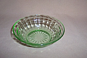 GREEN BLOCK OPTIC DEPRESSION BERRY BOWL (Image1)