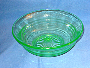 GREEN DEPRESSION CIRCLE FLARED CEREAL BOWL   (Image1)