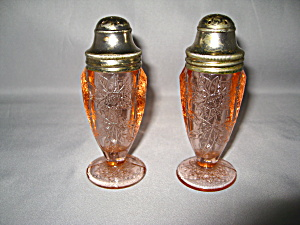 PINK FLORAL POINSETTIA SALT & PEPPER     (Image1)