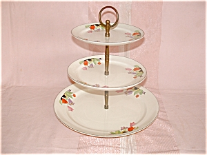 HALL CROCUS 3 TIER TIDBIT TRAY (Image1)