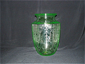 GREEN PRINCESS DEPRESSION VASE (Image1)