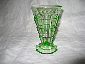 GREEN TEA ROOM FOOTED WATER TUMBLER (Image1)
