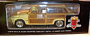 1949 Ford Woody Wagon 1:18th (Image1)