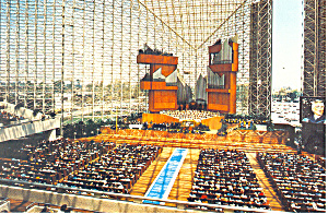 Interior of the Crystal Cathedral Postcard cs1542 (Image1)
