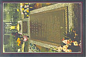 Graceland Tennessee Elvis Grave Postcard (Image1)