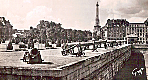 Paris Eiffel Tower and L'Esplanade des Invalides (Image1)