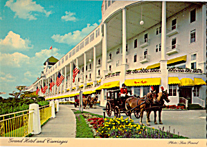 Grand Hotel and Carriages Mackinac Island Michigan cs6402 (Image1)