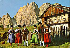 Men and Women in Native Italian Costumes cs6654 (Image1)