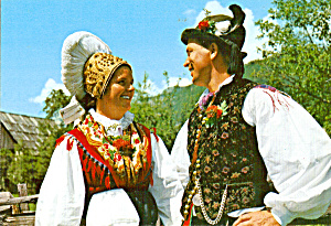 Man and Woman in Native Dress Solvenia cs6672 (Image1)