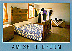 Amish Bedroom With Quilt Postcard cs7039 (Image1)