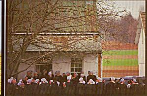 Amish Women, A Sober Gathering Postcard cs7043 (Image1)