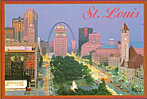 Market St Union Station Gateway Arch St Louis MO cs7317 (Image1)
