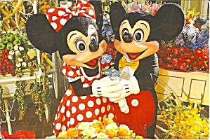MIckey and MInnie at Main Street Flower Market cs8313 (Image1)