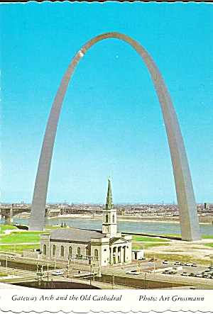 Gateway Arch and Old Cathedral, St Louis , Missouri (Image1)