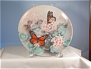 Monarch Butterflies -on Gossamer Wings Butterfly Plate