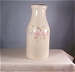 Pfaltzgraff Tea Rose Milk Bottle Vase (Image1)